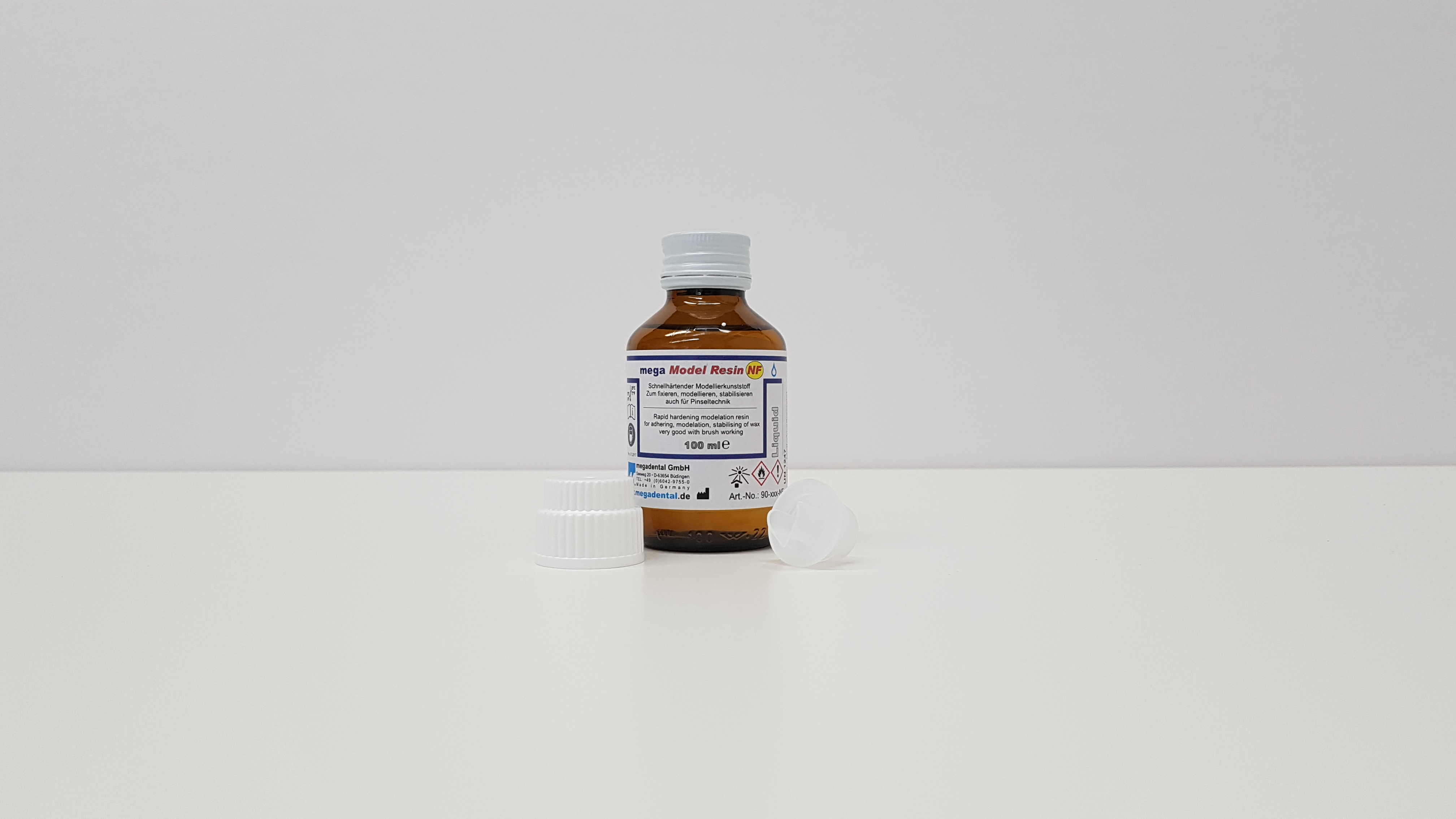 mega Model Resin NF Liquid 100 ml